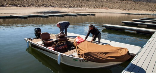 Dennis McDonald and Fred Mascorro prep their boat for Saturday.