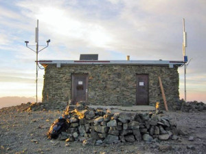 The summit hut, part of the White Mountain Research Station. Photo courtesy: Pister.